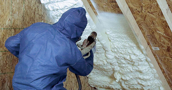 Injection Foam Insulation vs Spray Foam Insulation: What's